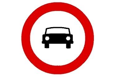 señal R-103 Entrada prohibida a vehículos de motor, excepto motocicletas de dos ruedas sin sidecar