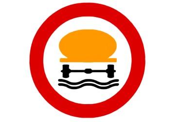 señal R-110 Entrada prohibida a vehículos que transporten productos contaminantes del agua