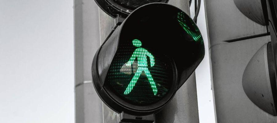 semaforo para peatones